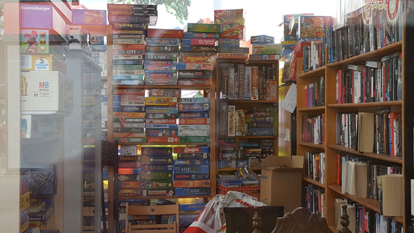 Bücher-Spiele-Box