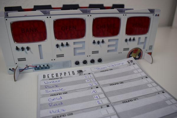 Beeple spielt Decrypto