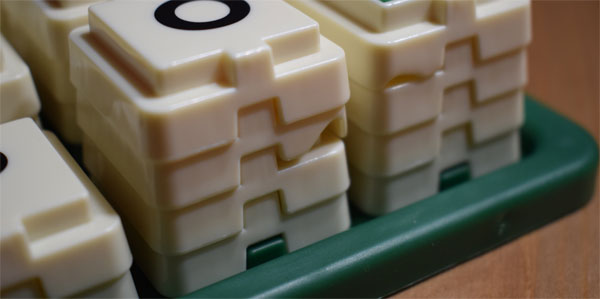 Scrabble Türme Material